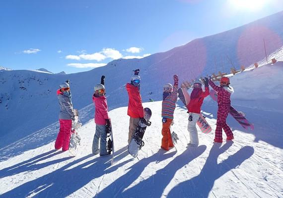 滑雪示意圖