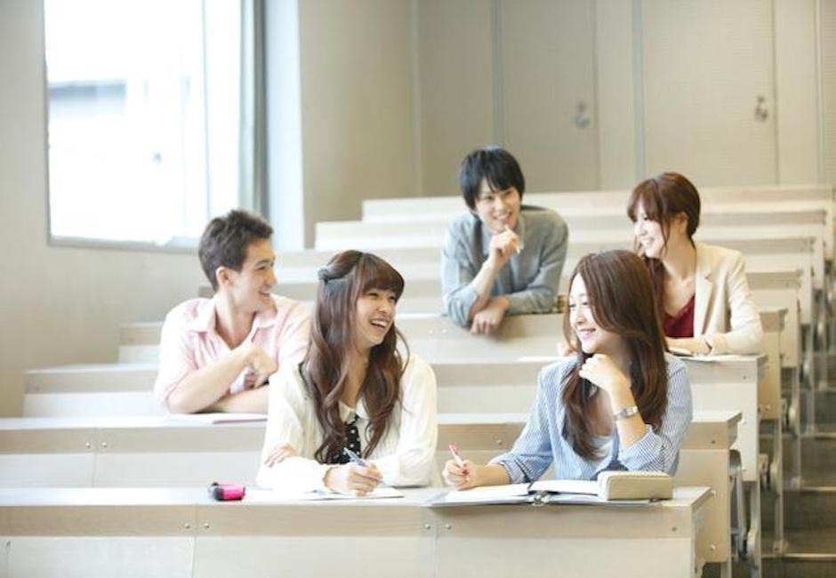 大學生示意圖