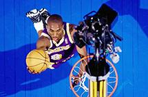 愛憎由人的巨星:Kobe生涯重點回顧。