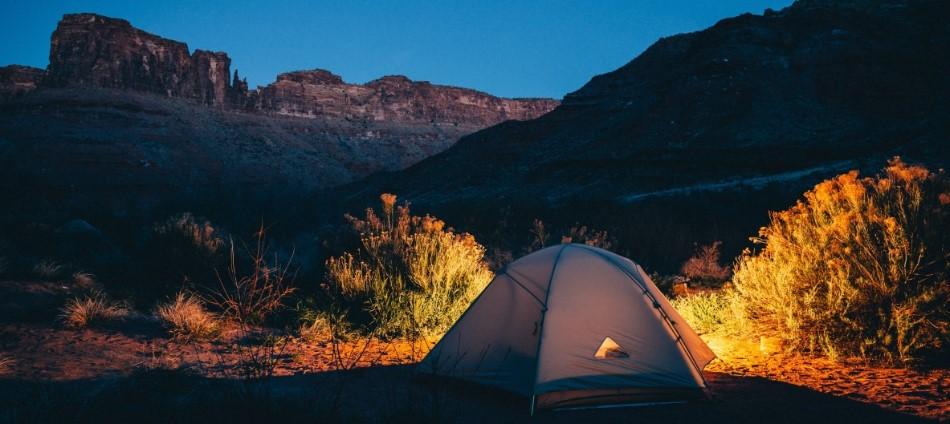 想露營不用玩命!網友大推的全台「十大合法露營地」