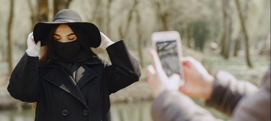 拍照不顧別人、玩命變「亡美」!網紅、網美惹人厭的10大行為