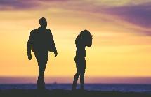 怎麼了你累了、說好的幸福呢?「疑婚時代」感情出現裂痕的十大徵兆