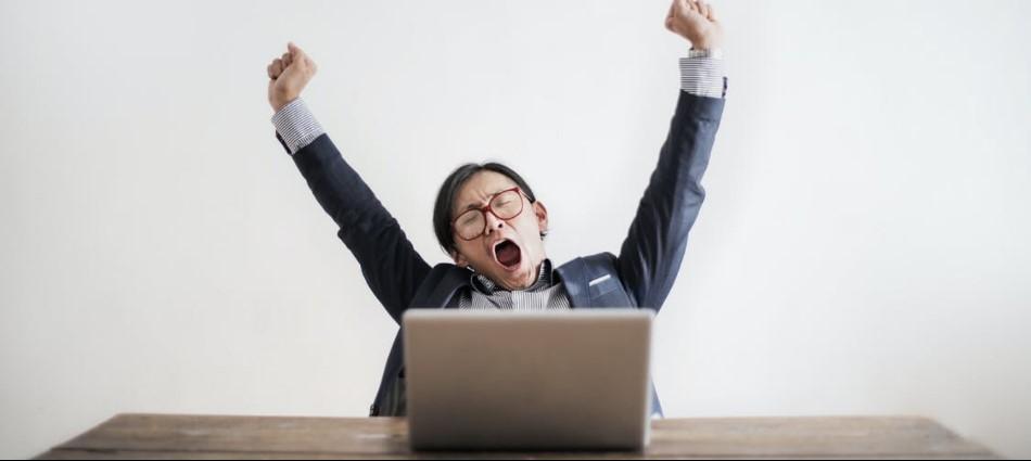 早上醒來只想裝病請假!網友熱議「職業倦怠十大症狀」你中幾項?