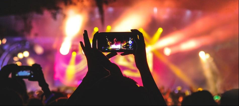是來聽歌還是來開個唱?小心別犯10大演唱會網友最討厭遇到的事