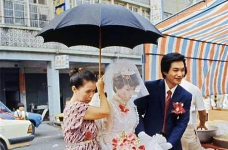 南北習俗大不同!新娘懷孕撐黑傘 背後原因竟是這個!