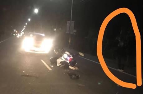 看車禍影片釐清真相 驚見路旁站全黑「七爺八爺」?