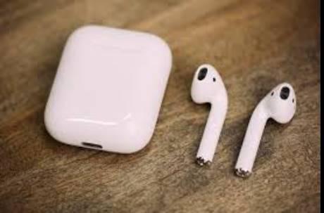 幹嘛討厭蘋果耳機AirPods?鄉民喊「糞物」醜又貴:給果粉買信仰罷了