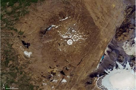 一封給未來的訃聞!冰島舉行全球首場「冰河告別式」警示眾人