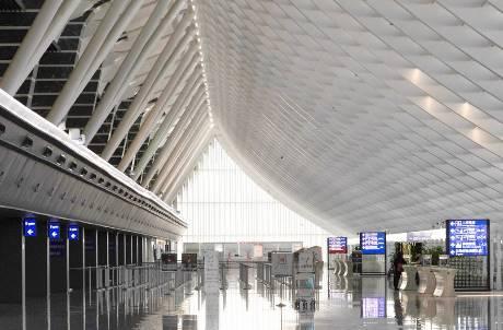 桃機的特色是「書」? 全球15大最適合久待的機場桃機名列其中