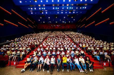 上千學生搶先《返校》 戲院爆哭:為什麼讓我們哭這麼慘!