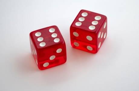 獵奇徵才不靠才能全靠「骰子」 擲到這數字月薪秒翻倍!