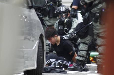香港戒嚴!林鄭月娥緊急立法「禁蒙面法」 午夜起實施