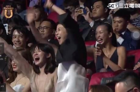 金鐘54上最驚人的一幕!現場女性陷入瘋狂讓2300萬人都看呆了