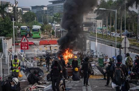 港中大淪戰場!香港局勢緊張 華航緊急派機載回81位在港台生