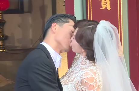 Akira寵妻無極限!婚宴菜單5字「藏頭詩」閃瞎網友