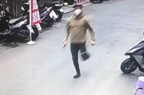 抓到了!印尼移工就診發燒卻逃逸 警方下午逮捕抓回