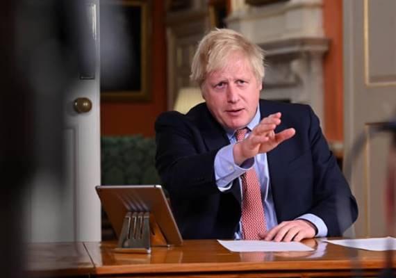 不佛硬起來!英國首相強生施行鐵腕防疫 全國禁足並驅散集會