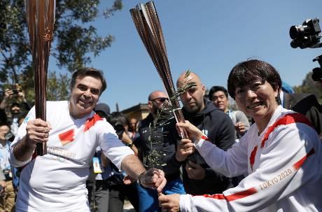 東京奧運如期舉行!聖火26日開始傳遞 參賽選手資格將調整