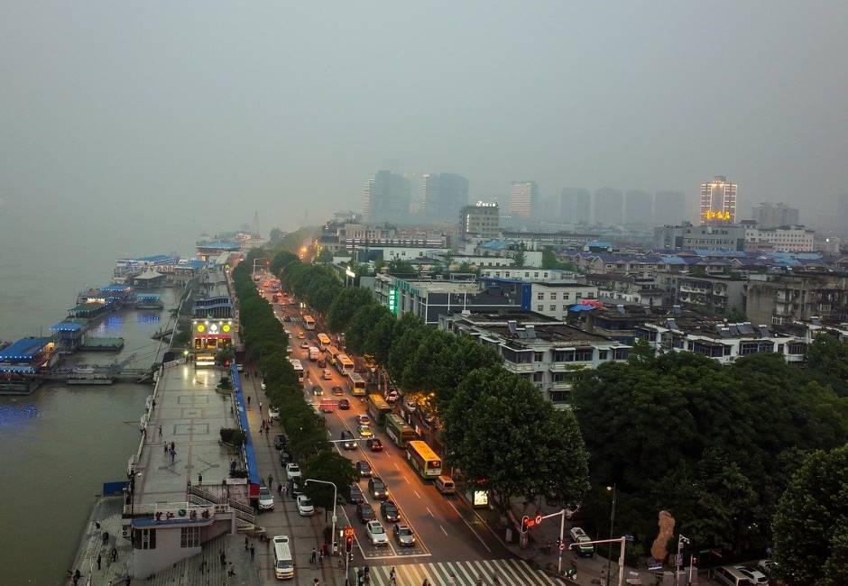 武漢有條件解封!封城近兩個月後鬆綁出入 恢復公共交通