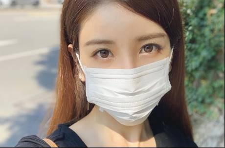 網友肉搜街頭口罩正妹 驚見野生日本寫真女星
