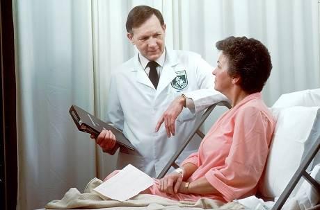 患者入院還能滑手機 醫曝新冠肺炎殺手鐧是「隱形缺氧」