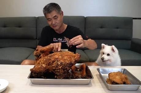 火雞肉好吃嗎?知名YouTuber整隻炸起來:差點上天堂