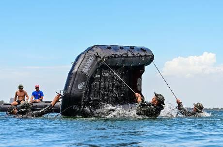 海軍操演發生翻艇意外2官兵過世 承辦少校尋短送醫不治