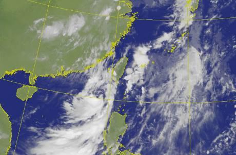 颱風「米克拉」海陸警報齊發 離台超近影響時間曝光