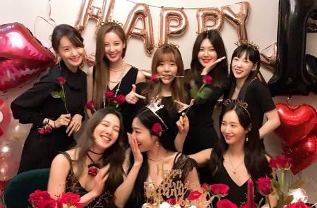 韓女團「少女時代」出道13年凍齡合體 感性喊話惹哭粉絲