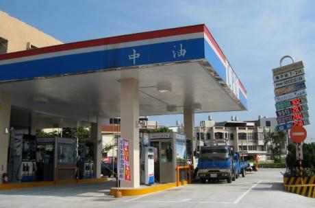 自助加油不流行?網曝「不能全自助」關鍵:台灣有3大缺點
