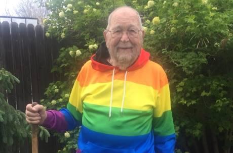 90歲爺向女兒出櫃感動網友 接力協尋當年摯愛「結局哭了」