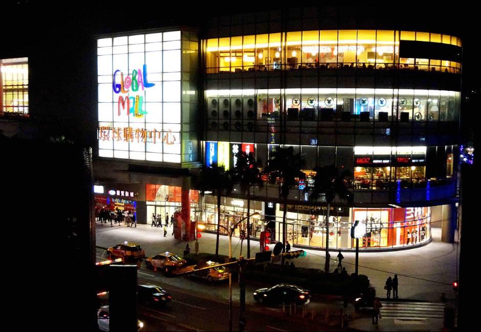 為何中和環球沒捷運 人潮還比板橋百貨多?網曝三大優勢、交通關鍵!