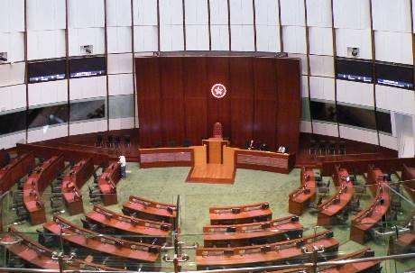 「希望減少爭議」中國人大傾向香港立法會議員全數延任 遭DQ者同樣續任