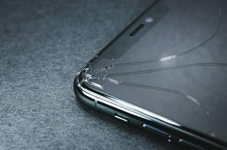 「手機壞了還要繳分期嗎?」 女大生拒付神邏輯:沒意義不繳