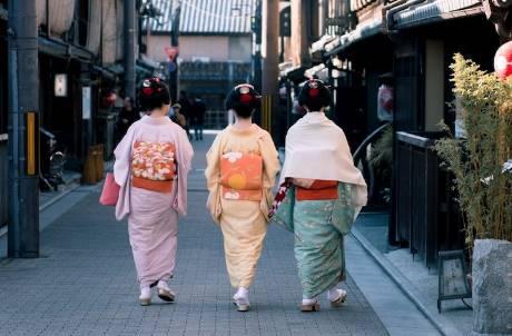 日本擬10月開放全球入境 但「觀光客」除外