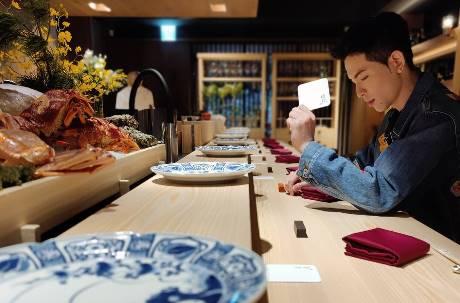 一人6000元!蕭敬騰餐廳「渡邉」開幕網掀論戰