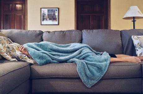 冷空氣來襲!租屋買暖氣好嗎?網反推「小空間神器」更讚:暖到爆