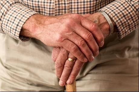 年紀大又沒專長可以幹麻?網友大推兩工作:只要有手有腳