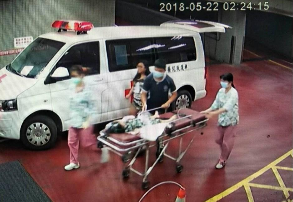 5歲女童虐殺案姨丈傳交保 網友直播圍警局「打畜牲」