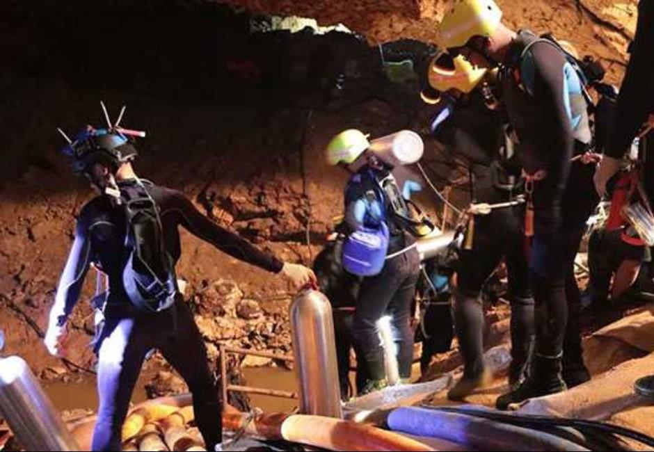 潛水英雄殉難為他人!近12小時黑洞捨命冒險