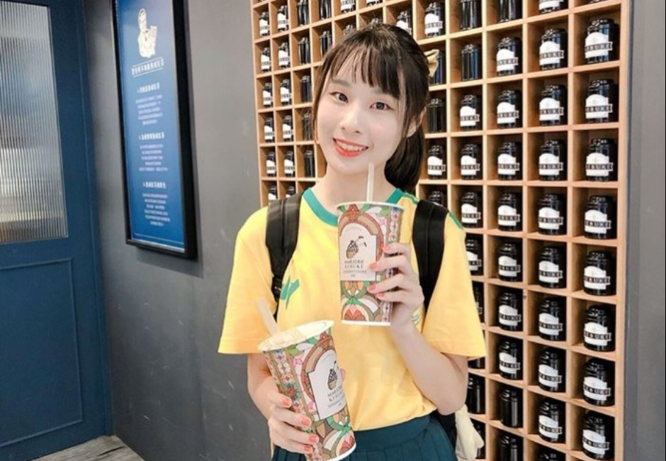 電玩正妹「泥泥汝」清純打卡照曝光!少女今夏必喝爆紅飲料店來了