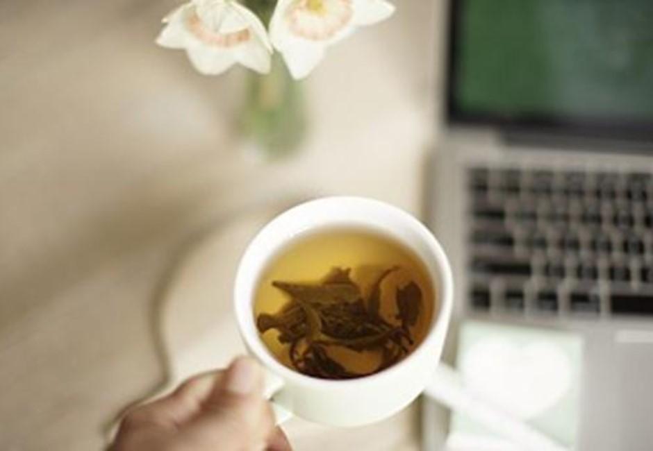 喝隔夜茶、吃隔夜飯會致癌?醫師點出最恐怖情形:尤其含糖手搖飲