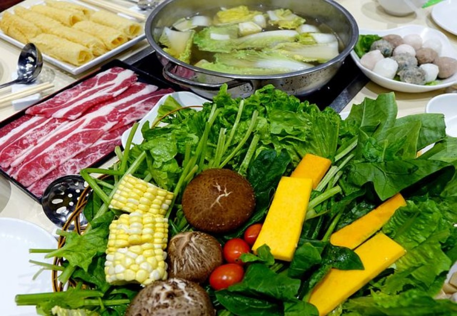 火鍋只吃蔬菜不會比較健康!食材吸鈉量高 前3名根本菜盤必備