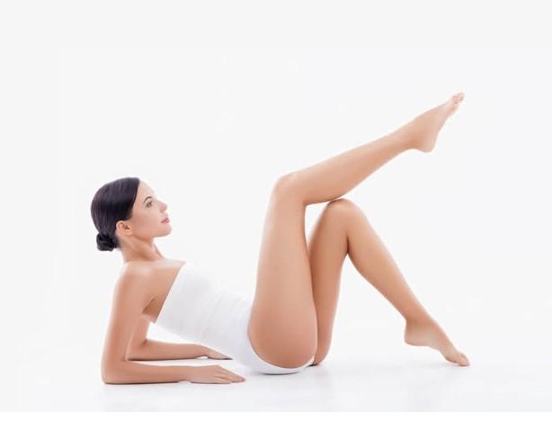 「抬腿消水腫」越高越好?3大錯誤傷爆腰椎、膝蓋
