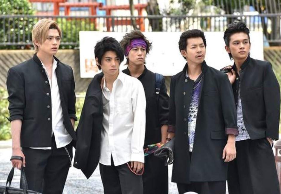 日本高校「一招」設計 乖乖讓學生把制服紮好紮滿!