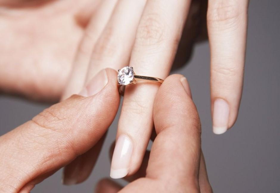 婚戒必戴無名指?原來一切都是「愛意破表」的超肉麻原因