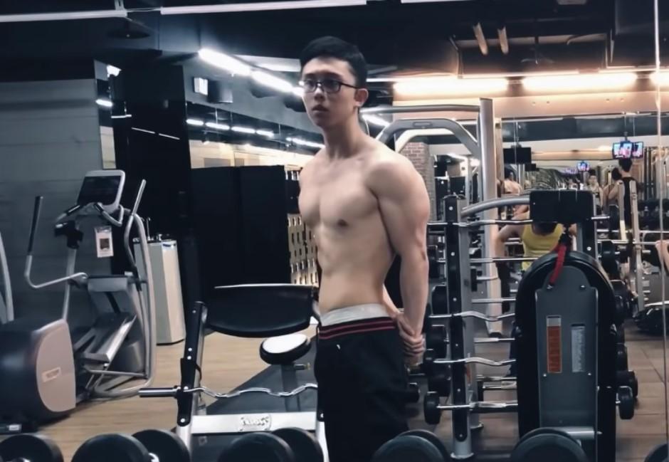 影/孫安佐大肌肌健身片一脫翻紅!網被圈粉:身材屌打鍵盤肥宅