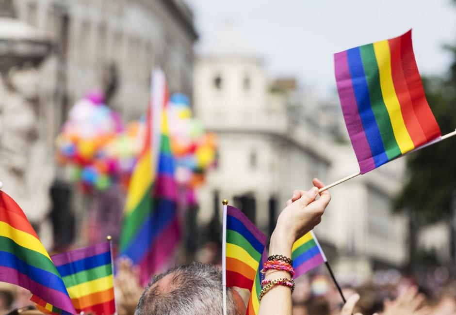 同婚專法草案出爐!準用《民法》規定結婚、禁止共同收養