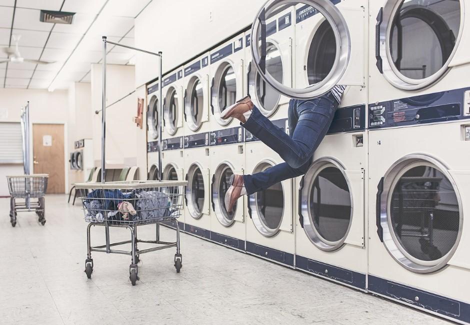 洗衣粉要加幾匙才乾淨?室友「一匙靈」釣出網友神回應