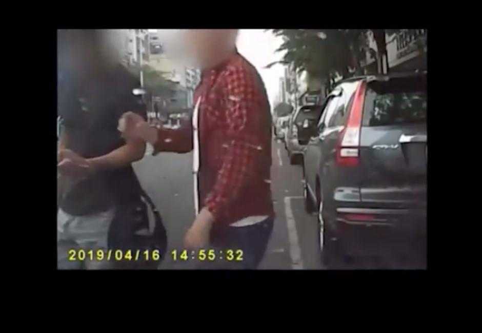 影/作賊喊抓賊?網友控Uber司機打人 行車紀錄器曝反轉結果